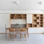 没有沙发的客厅成为家庭中快乐亲子互动空间_1593832460_4193107