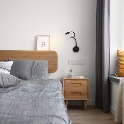 卧室壁灯装修图片