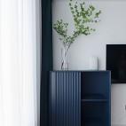 卧室深蓝色边柜